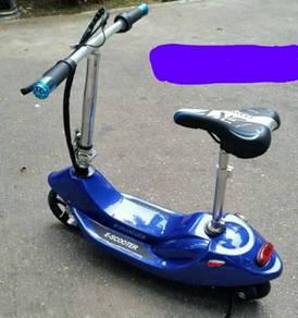 Kids 24v escooter blue