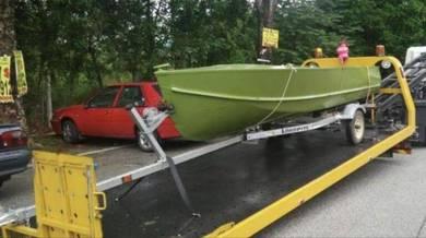 ALUMINUM 15 FT BOAT, TRAILER & 25 hp YAMAHA