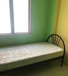 Desa Palma Blok F Small Room for rent