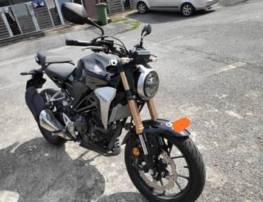 Honda CB250R mileage 4000km