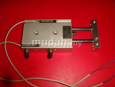 Pneumatic Cylinder SMC CXSM15-30