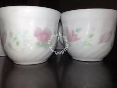 Cawan piring vintage Pyrex Arcopal tea cup saucer