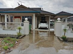 Single Storey Terrace Corner 9point land At Matang Jaya