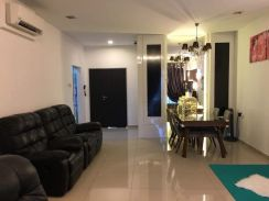 (Fully renovated) Permas jaya, P'residen private condo