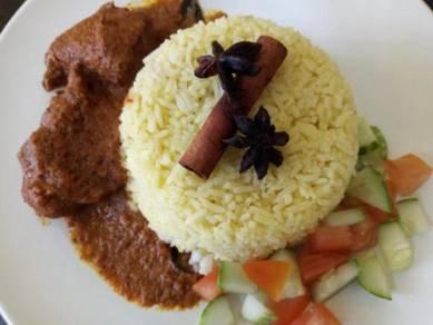 Tempahan Nasi Bungkus untuk Infaq dan Jamuan Kecil