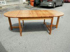 Dining table with 4 chair