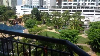 Villa emas , Near Queensbay mall , Full furnished ,1 car park