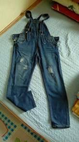 Baju overall