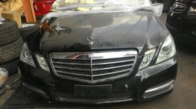 Mercedes E-class W212 E500 V8 Engine Gearbox Body