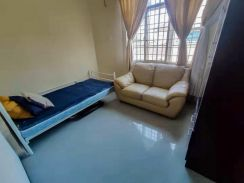 Room for 1/2 person FREE(aircond, electric, water, laundry)