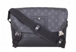Lv monogram eclipse messenger bag