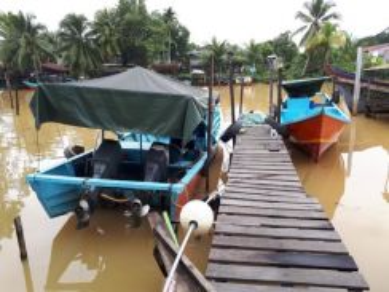Fiberglass Fishing Boat with Twin Yamaha 85HP.