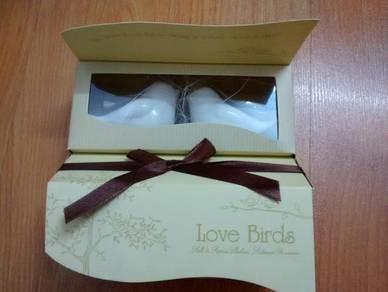 Christmas Love Birds Salt and pepper shaker