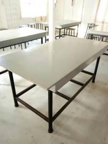 Meja besar berat & kukuh