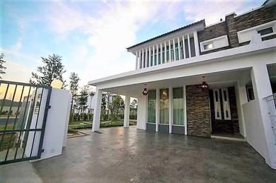 PutraJaya Area [Limiter Bumi Lot ] Tares House FreeHold 0%D/P