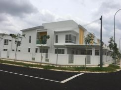 SURIAMAN 1 2 Storey terrace house, corner lot 71950 Bandar Sri Sendaya
