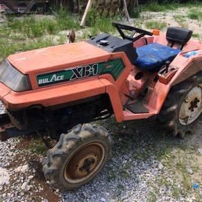 Kubota tractor bulace XB1 deluxe