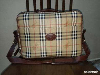 Travel Bag Vtg Burberrys