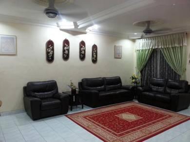 Homestay 4 bilik Kangkar Tebrau JB