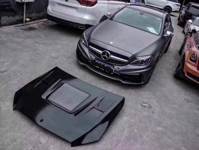 Mercedes w205 bonnet with vented tempered glass