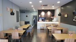 Restaurant/Cafe with nice and clean interrior