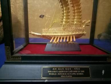Keo buk sun ship 1592 century gold plated