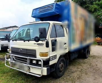 2001/02 Daihatsu 5000kg Chiller Refrigerated Box