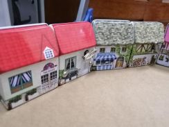 Happy family mini dream house music box x 4 units