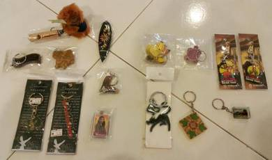 Malaysia souvenirs gift present collection