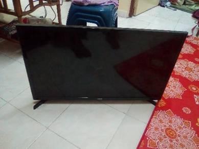 Led tv - rosak - skrin pecah