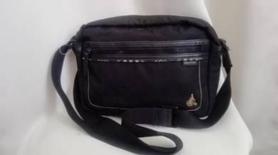 Classic BEAN POLE sling bag