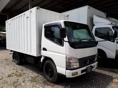 2010 Mitsubishi Fuso FE71PB Corrugated Box 12ft