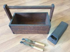 Antique Toolbox and England Tools Antik