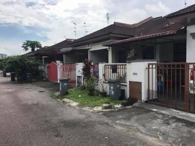 Bukit indah single storey near by petronas and bus station
