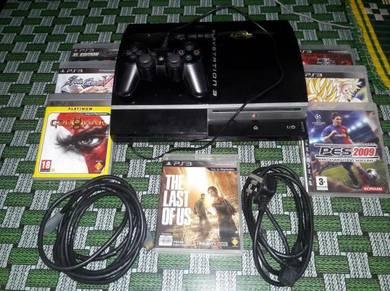 Model lama set ps3 console berserta 7 game