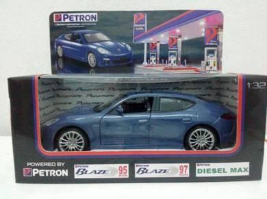 Petron Porsche Panamera 1:32 Scale Model