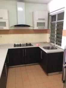 Perdana Exclusive + Middle Floor + Built in Kitchen Cabinet