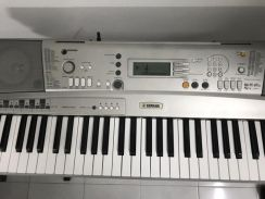 Keyboard piano with stand and bag for sale