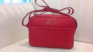 Vtg classic LACOSTE sling bag