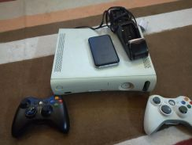 Xbox Jtag 500gb with 2 wireless controller