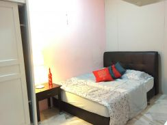 3min Walk To LRT CAHAYA.Room fully furnished wit private Belcony.Condo