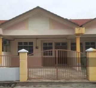 Single storey house for rent in Taman Bukit Galena , Seremban