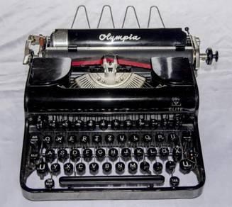 Olympia elite germany mechanical typewriter