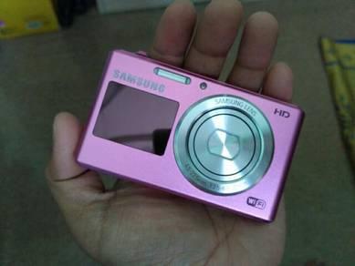 Digital Camera Samsung DV150F wifi