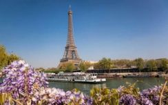 Holiday at paris