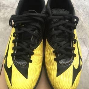 Kasut Futsal Mizuno Basara 103 In