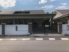 Single Storey Semi-Detached at Seri Manjung For Sales