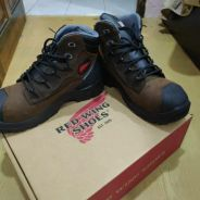 Redwing safety shoes 3228