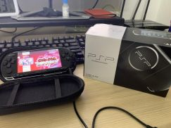 PSP3000 128gb with game