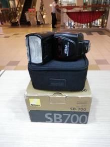 Nikon sb-700 speedlite (98% new)